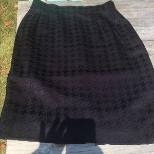 Louis Feraud Black herringbone  skirt